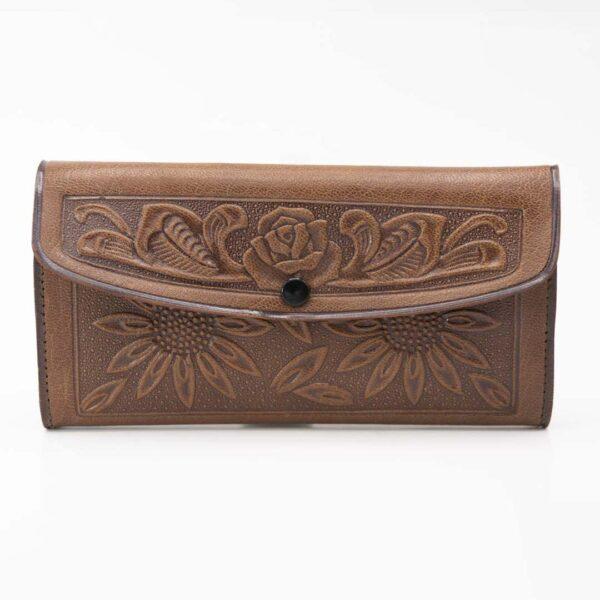 handmade-hand-tooled-mexican-women-wallets-kangaroo-021