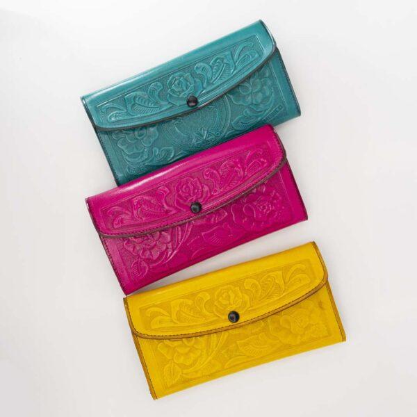 handmade-hand-tooled-mexican-women-wallets-kangaroo-029