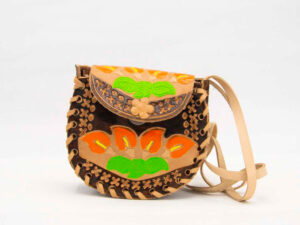 handmade-mexican-artisanal-hand-tooled-leather-girls-handbag-022