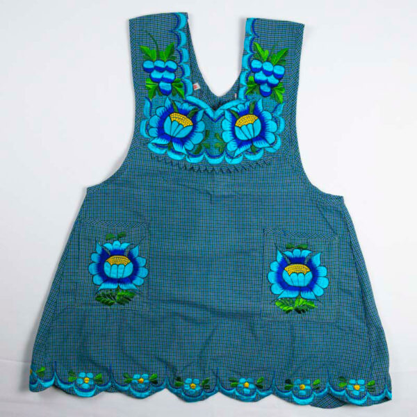 hand-embroidered-aprons-001