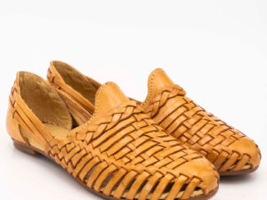 amantli-handmade-mexican-huarache-sandal-shoe-low-sole-benita-honey-pair-view-074