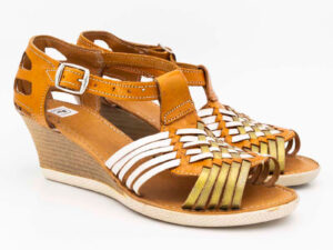 amantli-handmade-mexican-huarache-sandal-shoe-medium-sole-erika-honey-pair-view-044