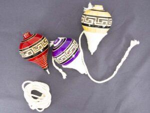 amantli-beautiful-handmade-mexican-trompos-and-baleros-01