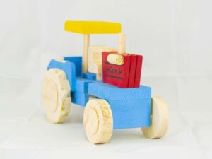 amantli-beautiful-handmade-traditional-mexican-wooden-toys-tractor-26