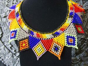 handmade-mexican-arte-huichol-necklaces-03