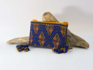 amantli-beautiful-handmade-handwoven-mexican-leather-textile-coin-pouches-01