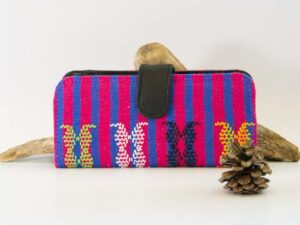 amantli-beautiful-handmade-handwoven-mexican-leather-textile-makeup-cosmetics-bags-cases-08