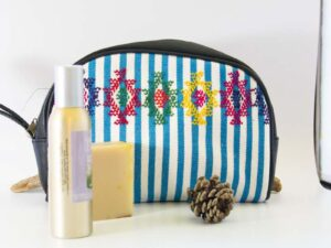 amantli-beautiful-handmade-handwovenmexican-leather-textile-cosmetics-makeup-bags-cases-02
