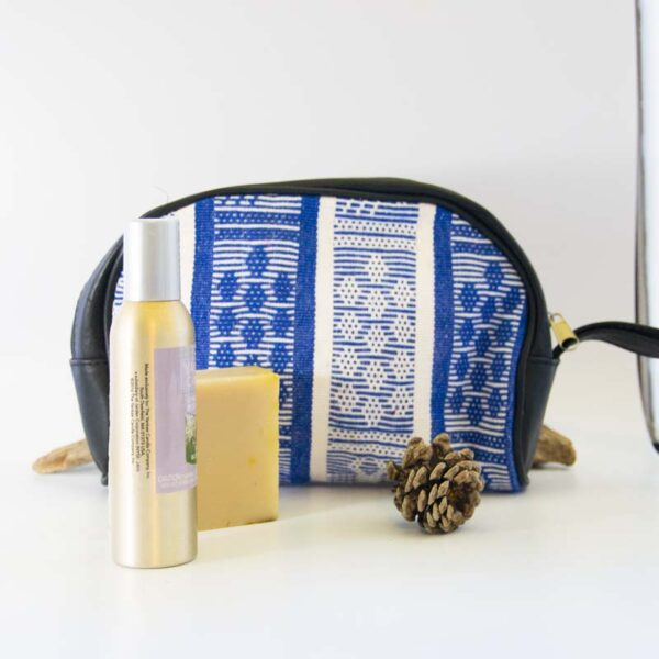 amantli-beautiful-handmade-handwovenmexican-leather-textile-cosmetics-makeup-bags-cases-03