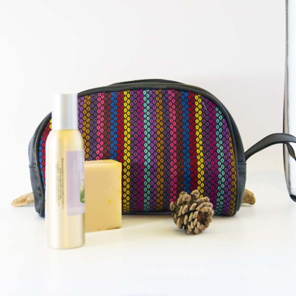 amantli-beautiful-handmade-handwovenmexican-leather-textile-cosmetics-makeup-bags-cases-04